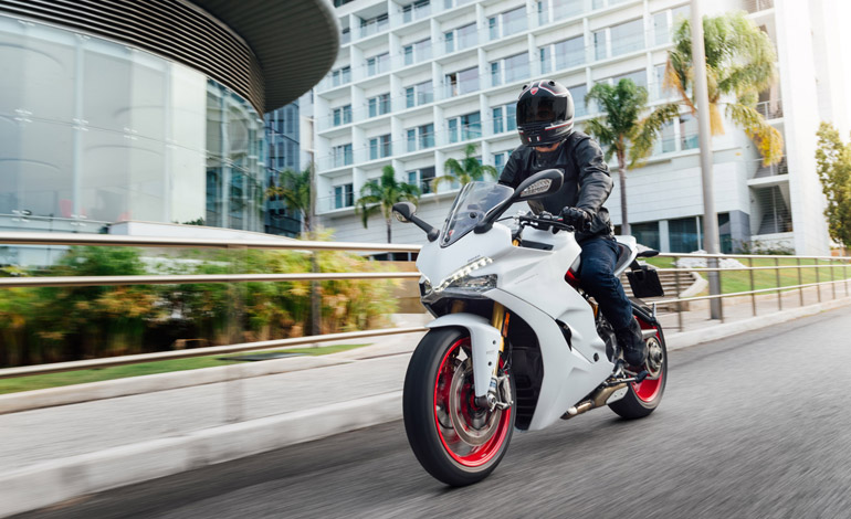 O que caracteriza uma moto esportiva