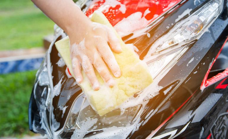 Sua moto é lavada da forma correta?