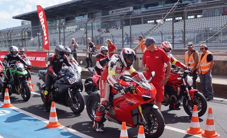 Track Day - É possível uma moto esportiva confortável?