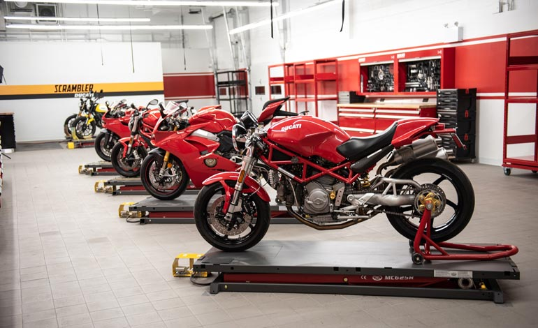 Revisão da moto: por que esse é um cuidado fundamental para sua Ducati?