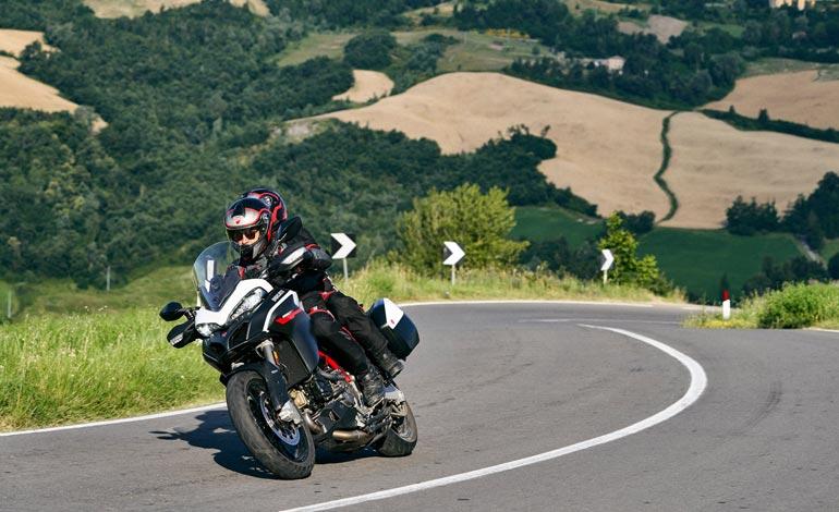 Itens indispensáveis para uma viagem de moto