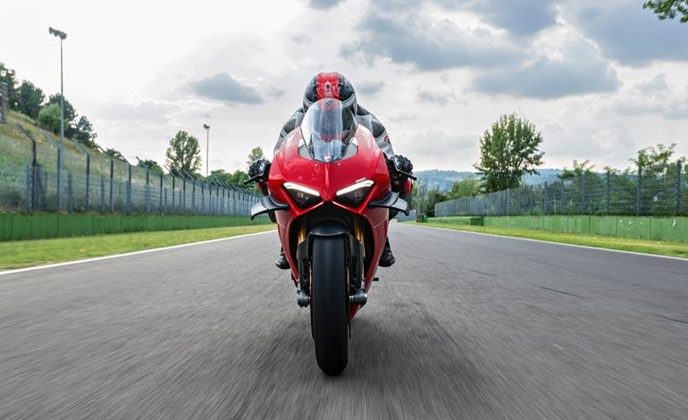 Por que a Panigale V4 S é a moto superesportiva mais desejada do mundo duas rodas