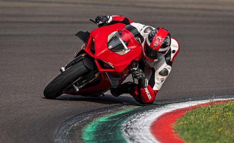 Segurança e melhor proveito em pista - Por que a Panigale V4 S é a moto superesportiva mais desejada do mundo duas rodas
